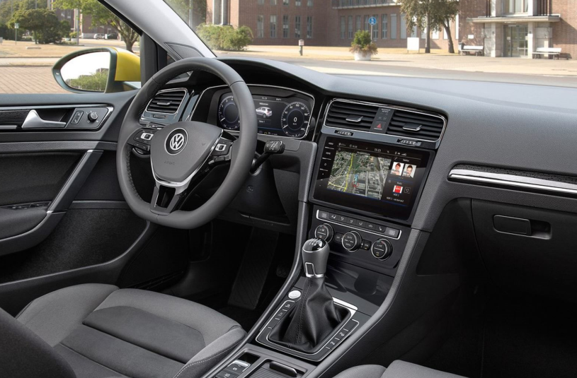 VW Golf 2021 Interior